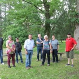 Gruppenbild im Forstbotanischen Garten