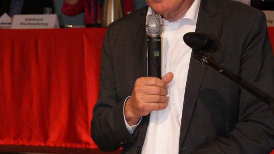 SPD Landratskandidat B. Reuter am Podium